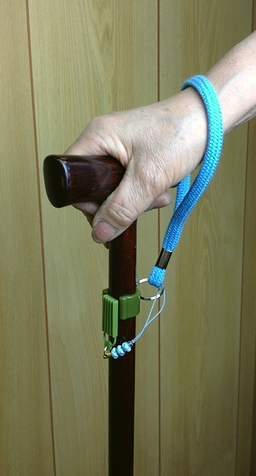 杖 在庫あり ホルダー 定価 トイレ ATM 受付カウンター等での杖置きに杖やすめ ストラップ付 杖ホルダー