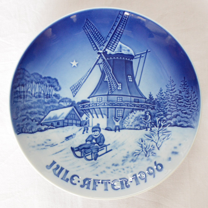【B&G】Bing & Grondahl(ビングオーグレンダール)1996/平成8年 イヤー プレート「古い風車小屋の冬」/陶磁器/幅18cm/プレゼント/贈答/記念品/クリスマス/皿/限定/デンマーク/インテリア/飾る/きれい/高級