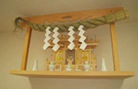 交換無料 AL完売しました 神棚板と三社のお宮のお祀り12点神棚セット お手頃価格 お見事神棚セット 桧