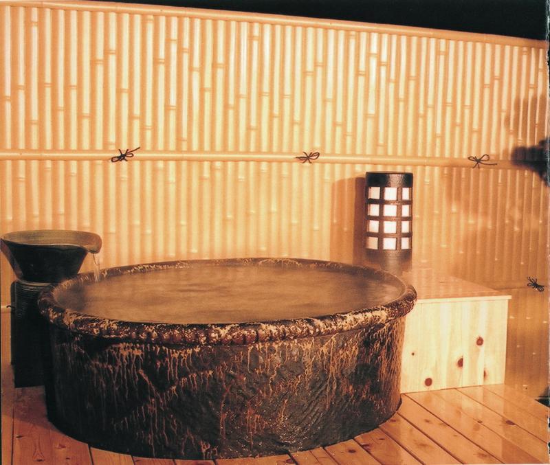 丸型陶器浴槽1500×H600mm  (送料55,000円は目安です別途見積となります)
