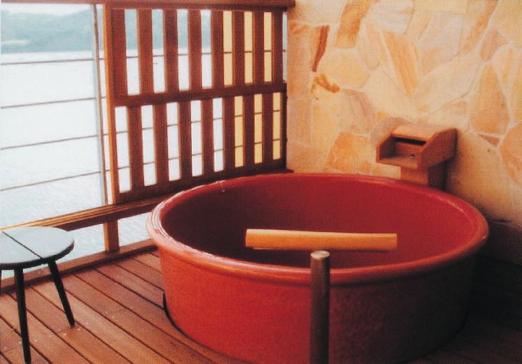 丸型陶器浴槽1150×H600mm  (送料55,000円は目安です別途見積となります)