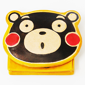 店 熊本の宣伝部長 くまモンのグッズ 送料無料 特売 くまモン本革小銭入れ 約H6.5cm×W9.5cm イエロー財布 サイズ クリックポスト便商品
