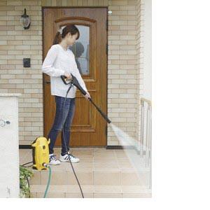 【送料無料!】アイリスオーヤマ高圧洗浄機女性も使いやすい軽量タイプの高圧洗浄機です。