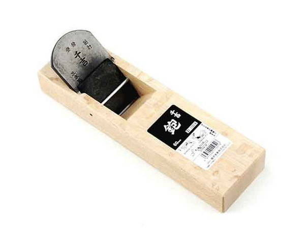大工道具 のみ 彫刻刀 鉋の台付鉋60MM 木材の表面を削って加工します 豊富な品 台付鉋 60MM 藤原産業 25%OFF 千吉
