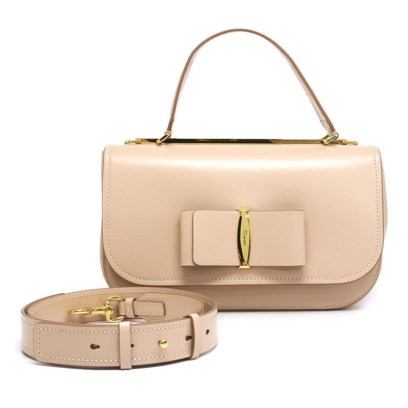 【中古】【送料無料】フェラガモ Ferragamo 2WAYハンドバッグ LINDA ヴァラリボン 肩掛け ピンクベージュ系 ガーリー ショルダー・保存袋付き【値下げしました】