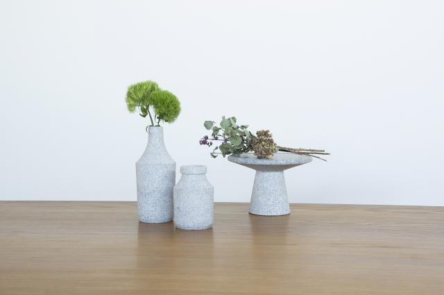 【AJI PROJECT】石の花瓶「BOTTLE」 自然 石 香川県 アート インテリア 雑貨【庵治石】