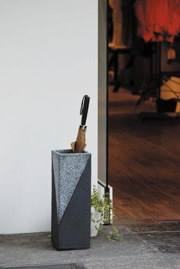 【送料無料】【smtb-kd】信楽焼 傘立て 「ツートン角型傘立」 インテリア 陶器 焼物 陶芸品【523-05】