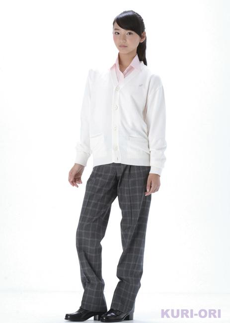 KURI-ORI的原创学院风 对襟毛衣KC605W S~3L 棉混纺 轻薄型 白色  有银色的刺绣花纹  男女皆宜的
