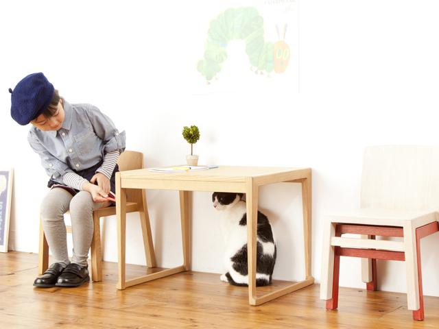 キッズテーブル Monica Kids 幅59cm奥行40cm高さ42cm モニカキッズ 天然木オーク材 自然塗料 デスク スタッキング 子供用チェア ナチュラル デザイン L3001-59TN