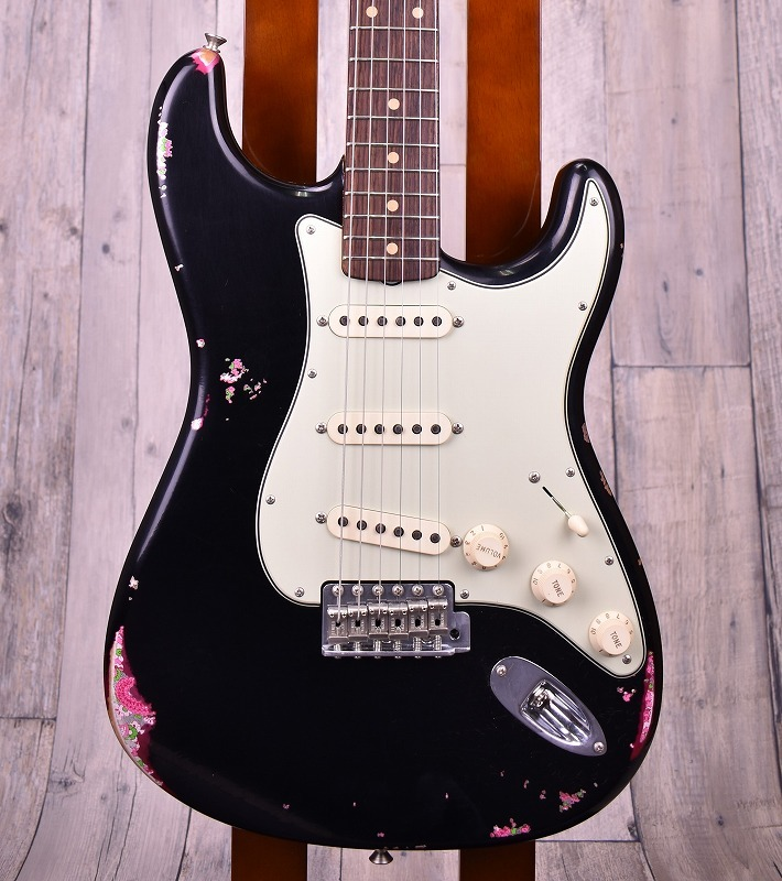 Limited Edition 1960s Stratocaster Relic Matching Head -Black Over Pink Paisley- 【3.61kg】【おちゃのみず楽器在庫品】