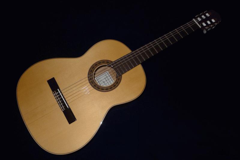 Antonio Sanchez Estudio-2 松・マホガニー 《クラシックギター》【送料無料】【今なら足台&オーガスチン弦が付いてくる!】【オリジナル扇子プレゼント】【ONLINE STORE】