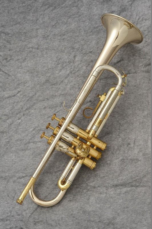 F.E.OLDS OPERA【中古】【トランペット】【オールズ】【お茶の水中古管楽器センター在庫品】