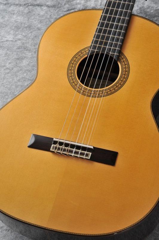ホアン・エルナンデス Juan Hernandez Profesor 松 【新品】 【日本総本店クラシックギターフロア在庫品】