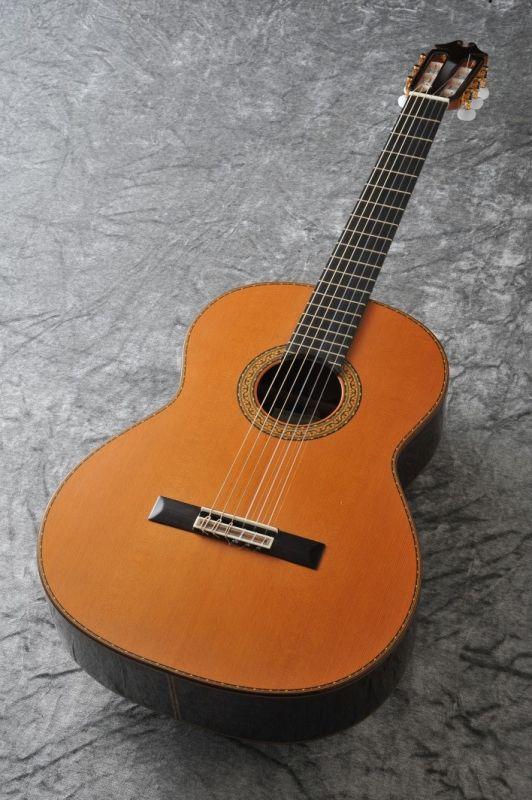 ホアン・エルナンデス コンシェルト Concierto R.640 杉・ローズウッド 640mm 【新品】 【日本総本店クラシックギターフロア在庫品】