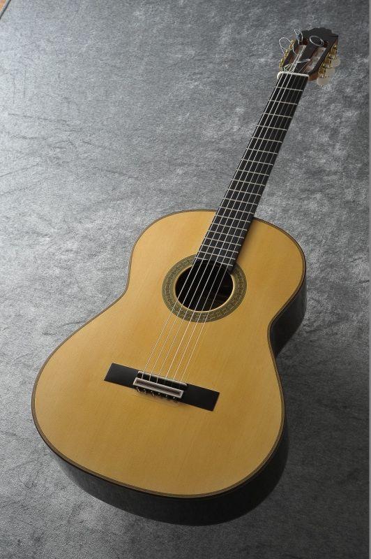 パウリーノ・ベルナベ Paulino Bernabe M-30 松・ウェンジ 2017年製最新作 【新品】 【日本総本店クラシックギターフロア在庫品】