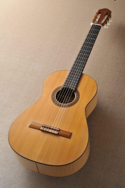 Lourdes Uncilla Moreno / ルールデス・ウンシージャ・モレノ 【中古】 【日本総本店クラシックギターフロア在庫品】