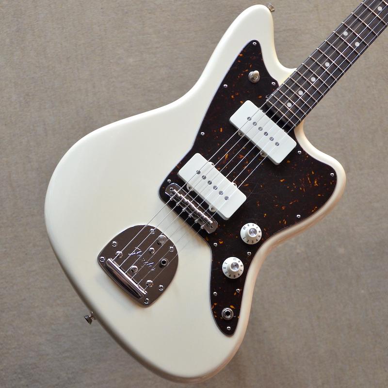 【新品】Fender American Professional Jazzmaster ~Olympic White~ #US18008617 【3.79kg】【22フレット】【当店オリジナル・ピックガード・モディファイ】【送料無料】【池袋店在庫品】