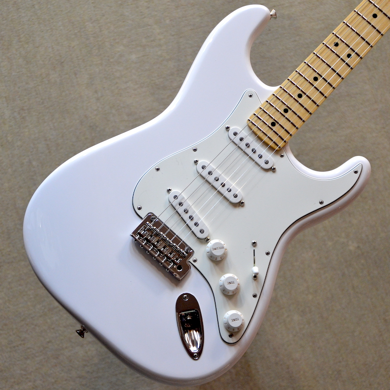【新品】Fender Player Stratocaster Maple Fingerboard ~Polar White~ #MX18086672 【3.64kg】【22フレット】【送料無料】【池袋店在庫品】