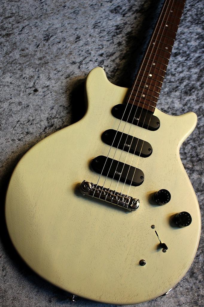 Kz Guitar Works Kz One Junior DSD14 Stoptail Bridge Vintage White #0060 【ミニハム搭載】【オールラッカー】【爆鳴り】【クロサワ楽器オリジナル】【池袋店在庫品】