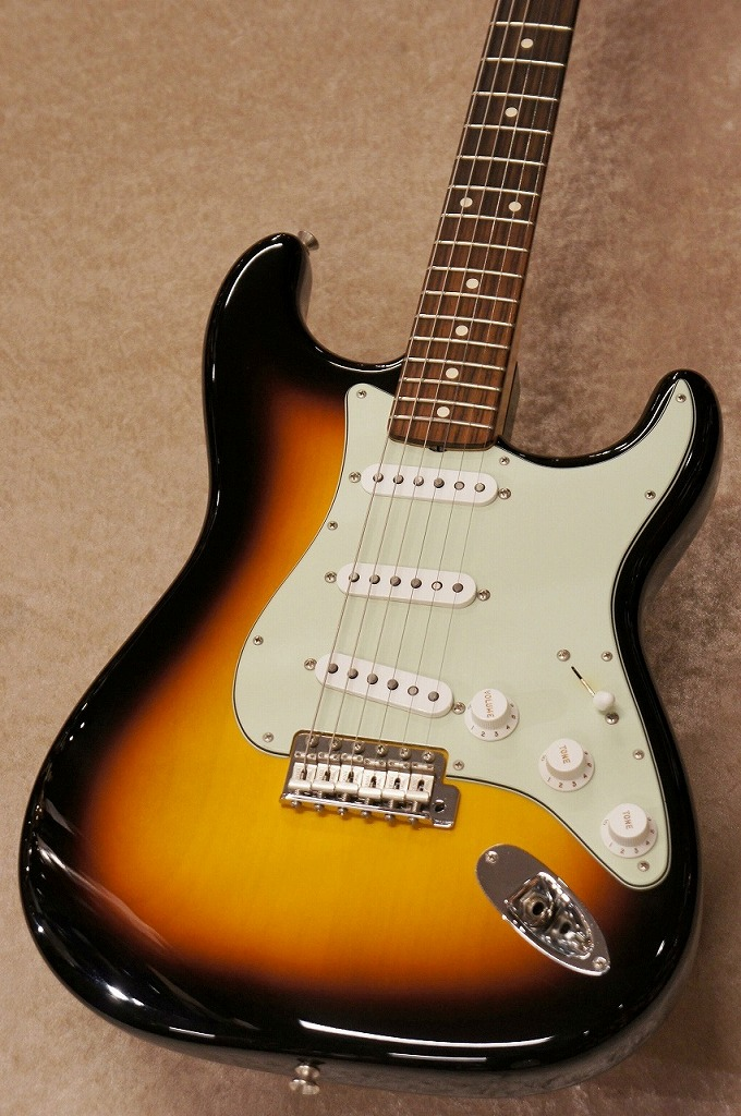 Fender Custom Shop 【展示特価品】Team Built Custom 1962 Stratocaster NOS -3TS-【OUTLET】【名古屋店在庫品】【名古屋店在庫品】