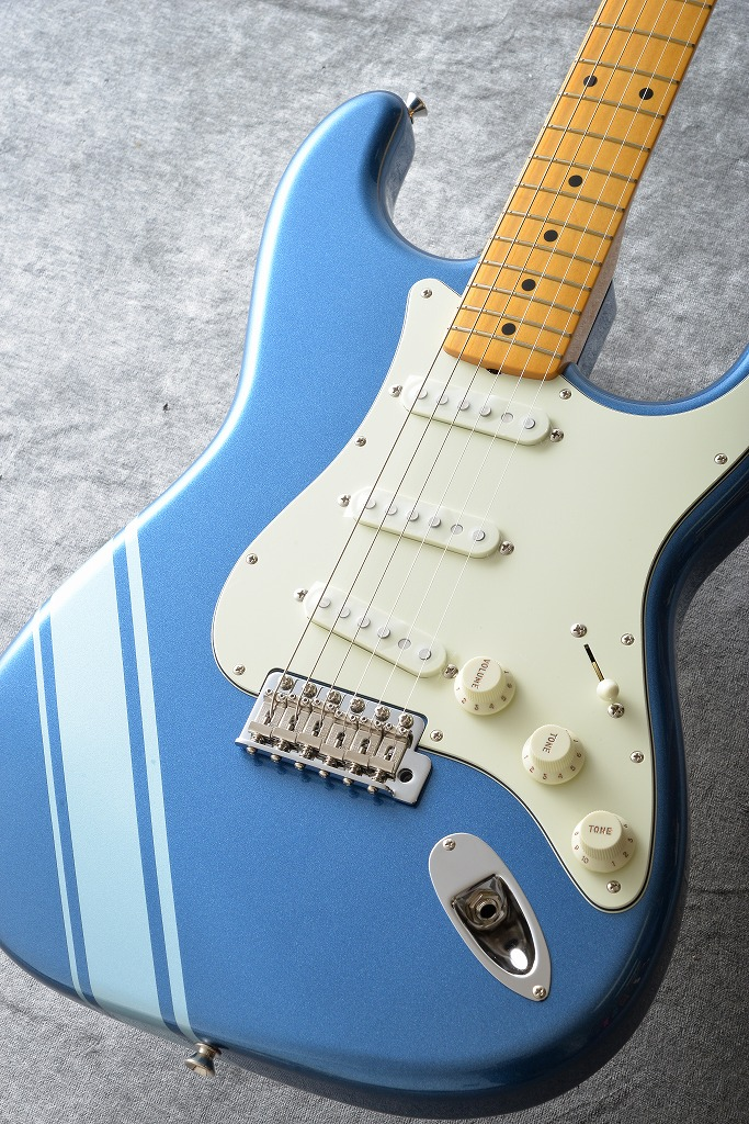 Fender Made in Japan Traditional 50s Stratocaster with Competition Stripe (Lake Placid Blue) 【ONLINE STORE】