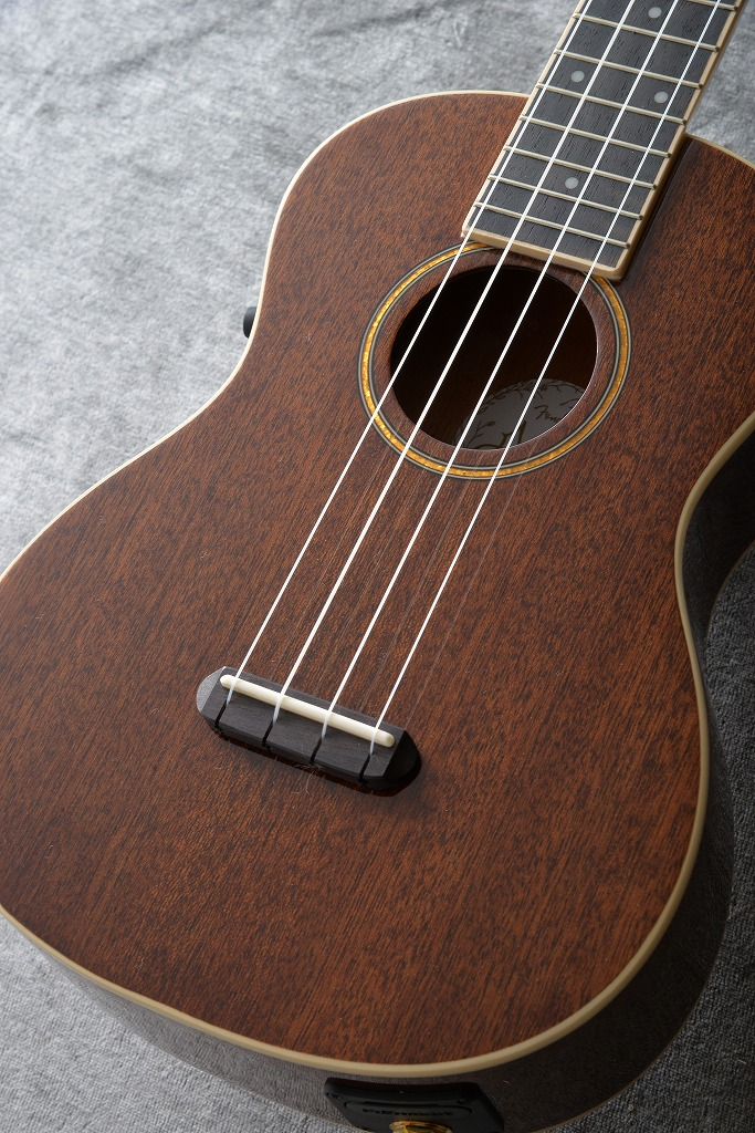 Fender Grace VanderWaal Signature Uke, Walnut Fingerboard, Natural【送料無料】 【ONLINE STORE】
