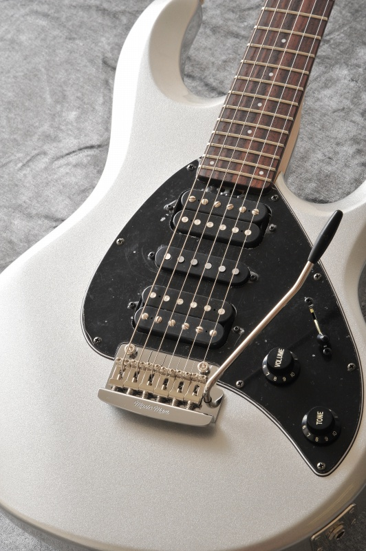 Musicman Silhouette HSH T SSL R BK (Sterling Silver)【送料無料】[受注生産品]【ONLINE STORE】