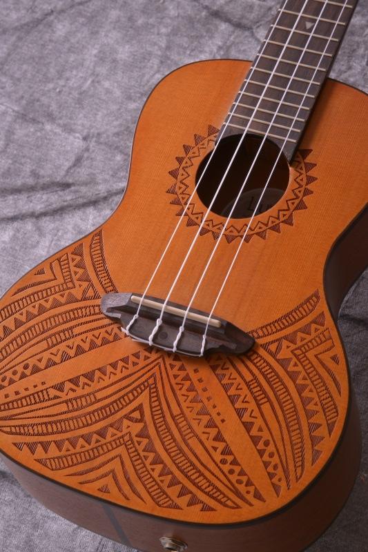 Luna Guitars Solid Top Cedar Concert Tapa [UKE TAPA CDR]《コンサートウクレレ 》【送料無料】【ご予約受付中】【SAVAREZ Low-G弦 144RL プレゼント】【ONLINE STORE】