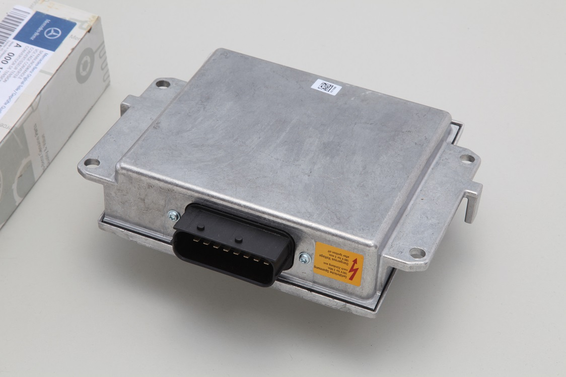 【代引き出荷可能/送料無料】ベンツ W220 W221 W215 W216 R230/純正品 ボルテージコントロールユニット新品 000-150-0258