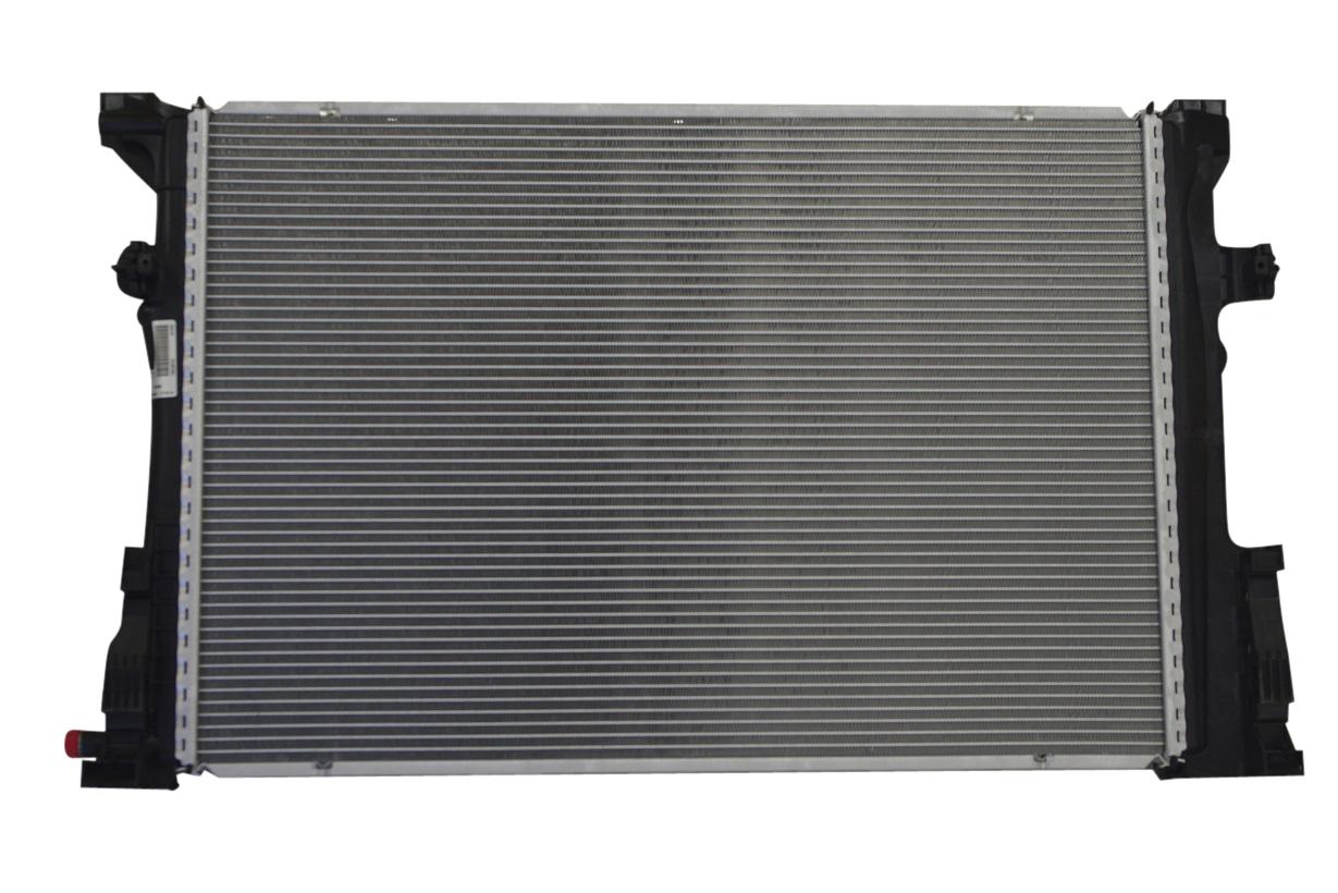 【代引き出荷可能/安心1年保証付き】BEHR製 ラジエター/ラジエーター新品 (直4/M270) ベンツ W176 W246 W117 X156 (2465001303)