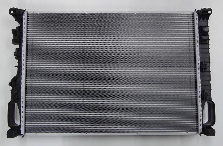 【代引き発送可能/送料無料】ベンツ W211 Eクラス W219 CLSクラス/BHS製(BEHR HELLA) ラジエター ラジエーター新品 (2115001302)