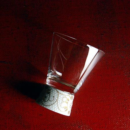 Kutani 日本玻璃拍摄玻璃 (玻璃感冒的缘故) 白粒铁仙