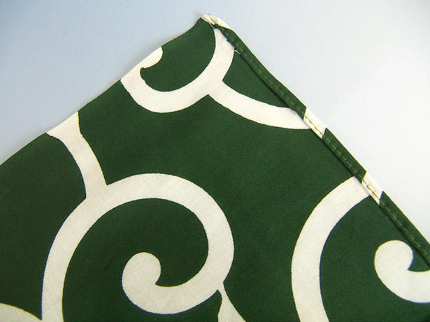 Furoshiki (wrapping cloth) traditional pattern and Arabesque furoshiki ( green & 二四 width: 90 × 90 cm )