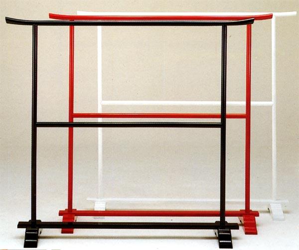国産木製の衣桁 黒【送料無料】 【smtb-k】 【ky】 【家具】【京都-市やま家具】