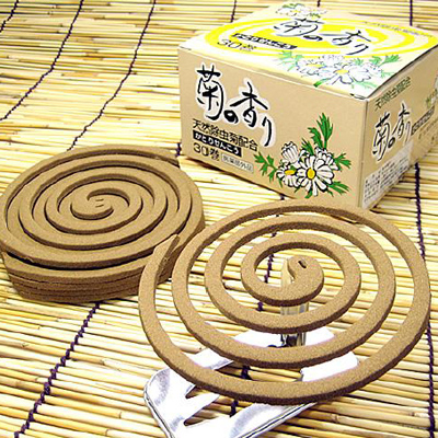 ●代引き不可 送料無料 天然除虫菊配合 菊の香り30巻×24箱 61113