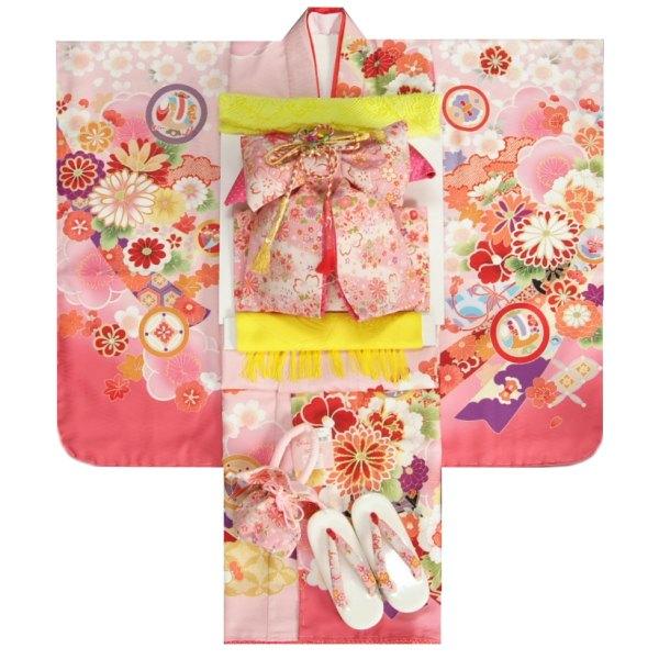 七五三 着物 7歳 着物フルセット 式部浪漫ブランド 濃淡桜ピンク色地着物 ピンク縮緬地友禅柄帯セット 菊 足袋に腰紐など20点セット