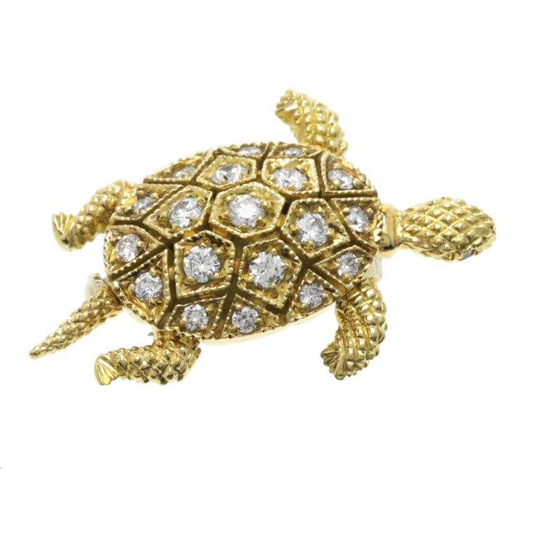 The Boucheron turtle motif pendants K18 gold ladies