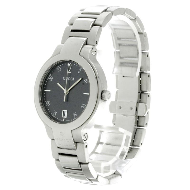 男子的GUCCI 8900M手表不锈钢fs3gm