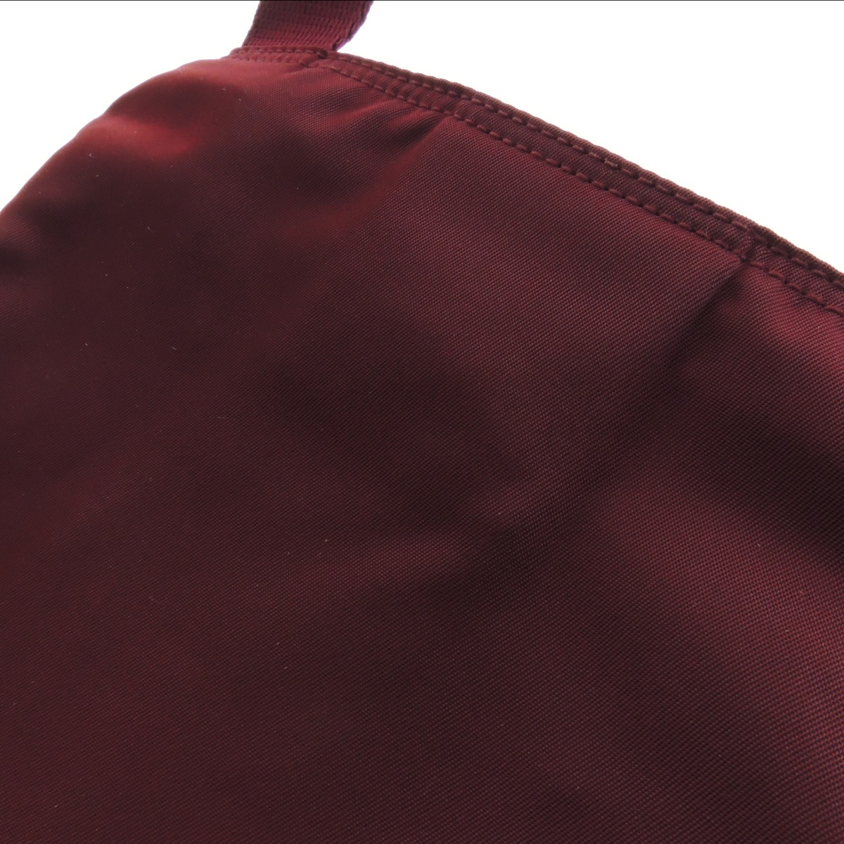 B7792 普拉达肩袋尼龙材料女士
