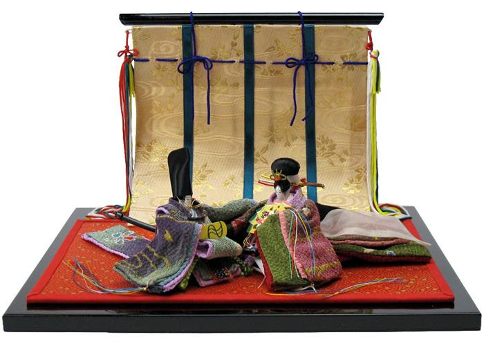 平安王朝の物語を写した京人形 光源氏と紫の君