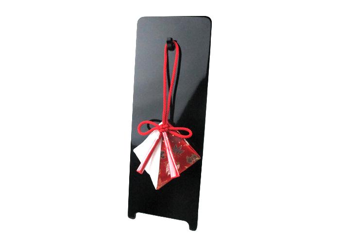 どこにでも掛けられる縁起柄の匂袋 掛香 紅白宝尽くし 塗り飾り台セット