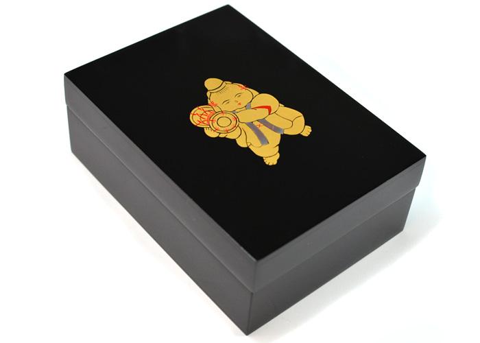 堂々とした童の姿が印象的 上品な宝石箱 塗小箱童子蒔絵