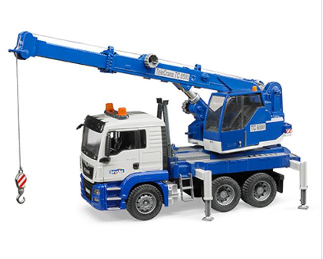知育玩具 模型 幼児教材 ブルーダー 工事現場ではたらくくるま MANクレーントラックBLUEブルー 1/16模型