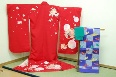 四つ身(赤)・帯(紫)・帯揚げ(緑)のセット-62