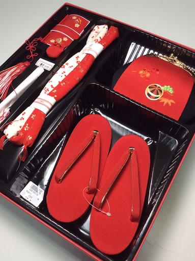 ハコセコ草履セット 赤 刺繍