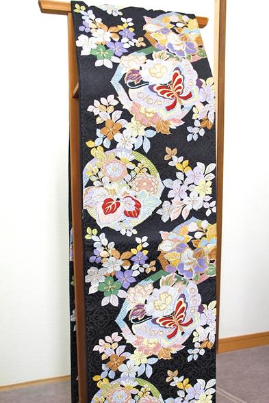 袋帯 華繭 黒地に華やかで鮮やかな花と蝶 9210-22-9194