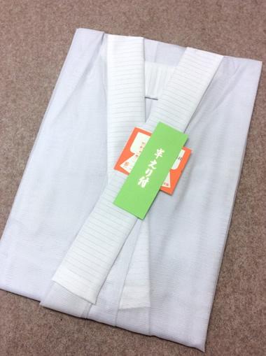 仕立て上がり、半えり付の長襦袢になります。着物の下に着用します。単衣袖は単衣の着物にあわせてお使い下さい。 長襦袢(ながじゅばん) 単衣袖 壁絽 仕立て上がり 半えり付 夏用 キュプラ 日本製