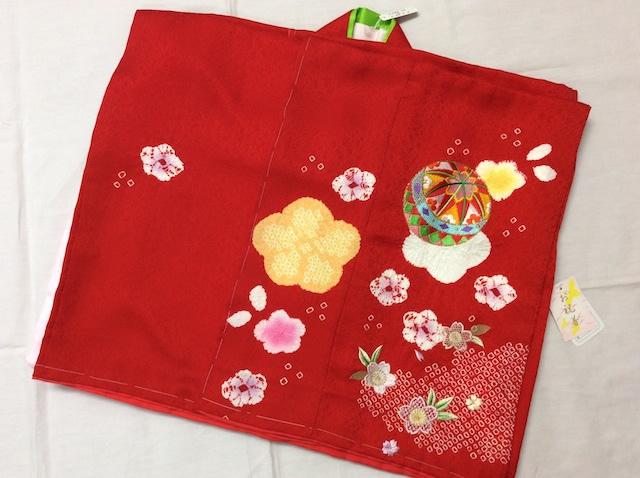 女の子正絹四つ身 長襦袢付 赤 毬 刺繍 絞り 七五三 d25-845019