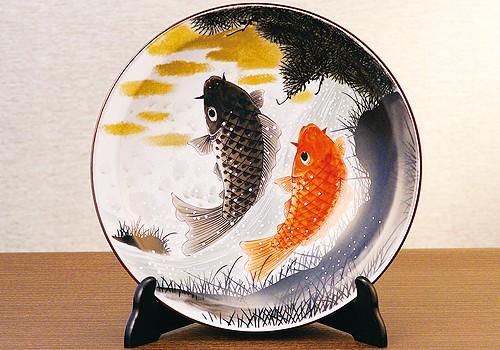K4-1480 九谷焼 10号飾皿 鯉の滝登り