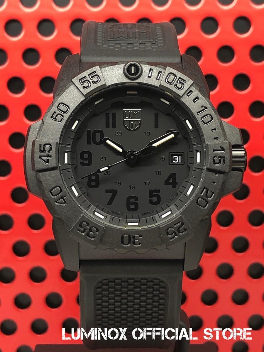 Luminox直営店 NAVY SEAL 3500 SERIES Ref.3501 Blackout[3500シリーズ/ブラックアウト/SWAT/FBI/ルミノックス/ネイビーシールズ/ミルスペック/米海軍/特殊部隊/ミリタリーウォッチ/ダイバーズ/タフ/防水/軽量/発光/日本正規保証]